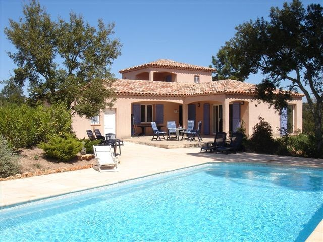 Villa dei Maouro est une belle maison de vacances typiquement provençale, située à 7km de Vidauban (Provence-Alpes-Cô...