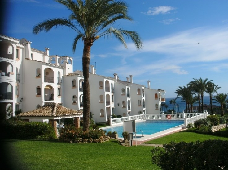 Marbella, Nice apartment with terrace and sea view.