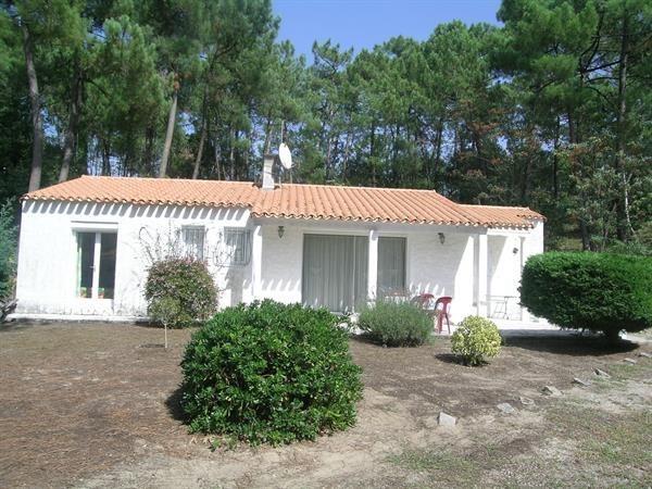 Location vacances Les Mathes -  Maison - 6 personnes - Cheminée - Photo N° 1