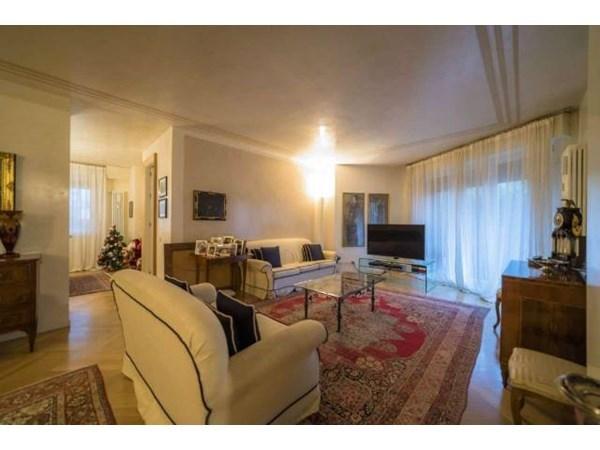 Vente  230m² Bergamo