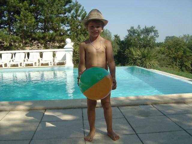 Vacances en famille en Aquitaine, campagne, piscines, tennis
