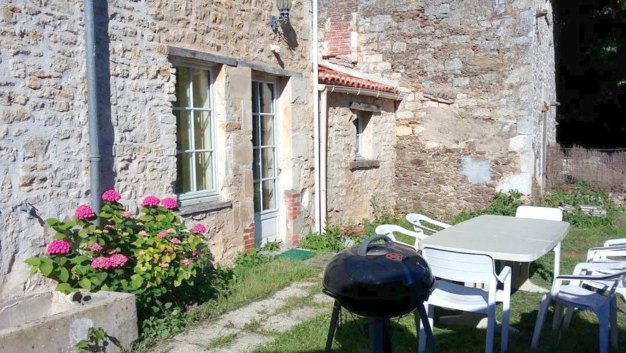 Holiday rentals La Caillère-Saint-Hilaire - Cottage - 15 persons - BBQ - Photo N° 1