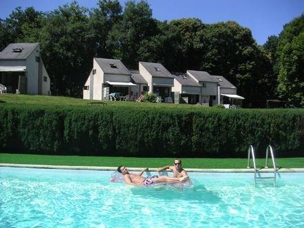 Vacances en Creuse, vacances heureuses... Pays des mille et un étangs, la Creuse est une terre légendaire et mystérie...