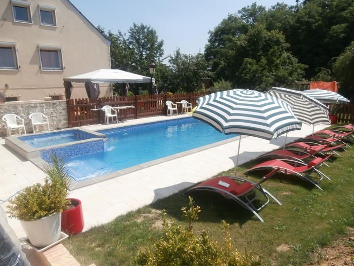 Location vacances Chalifert -  Appartement - 15 personnes - Barbecue - Photo N° 1