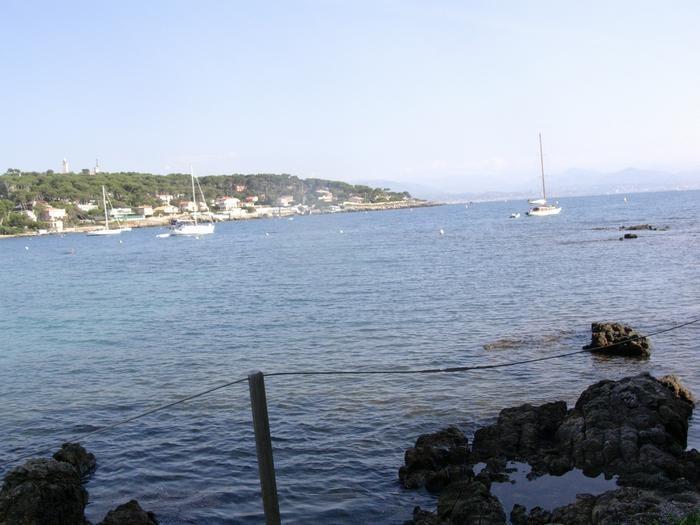 Location vacances Antibes -  Appartement - 2 personnes - Jardin - Photo N° 1