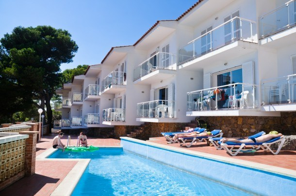 Apartments with pool. residential and quiet area. For Families. Ref. BON SOL-68