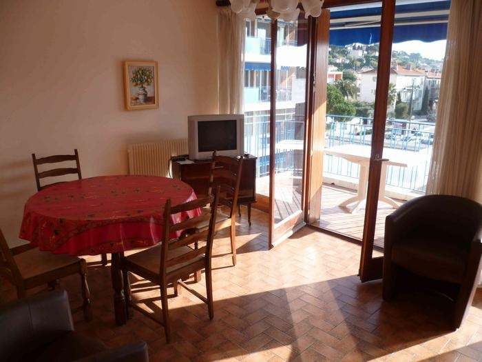 Location vacances Le Lavandou -  Appartement - 4 personnes - Salon de jardin - Photo N° 1
