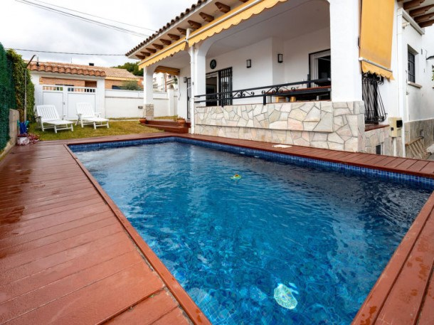 Location vacances Calafell -  Maison - 9 personnes - Barbecue - Photo N° 1