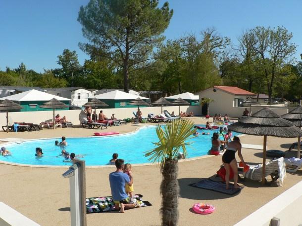 Location vacances Vensac -  Maison - 7 personnes - Salon de jardin - Photo N° 1