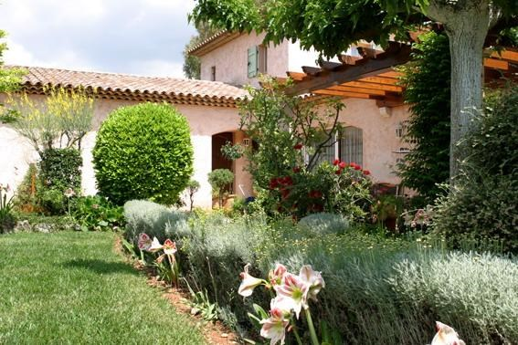 Location vacances Mougins -  Appartement - 4 personnes - Barbecue - Photo N° 1