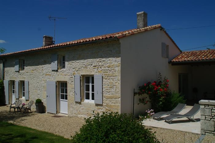 Holiday rentals Saint-Hilaire-de-Villefranche - House - 6 persons - BBQ - Photo N° 1