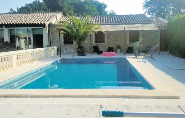 Location vacances Robion -  Maison - 6 personnes - Barbecue - Photo N° 1
