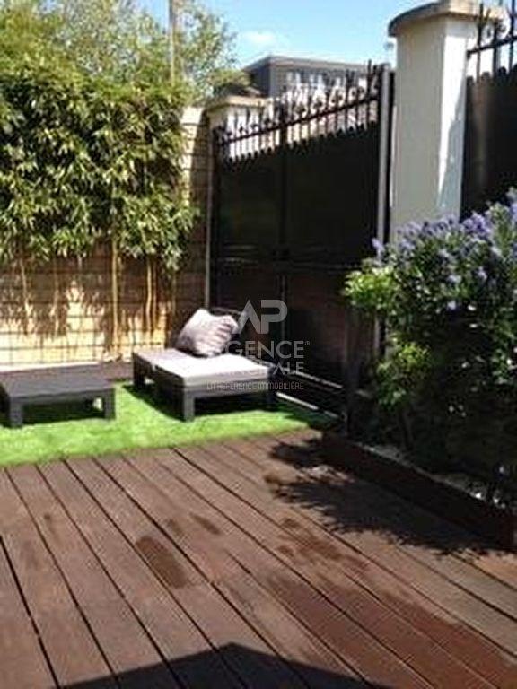 vente maison rueil malmaison maison 160m 995000. Black Bedroom Furniture Sets. Home Design Ideas