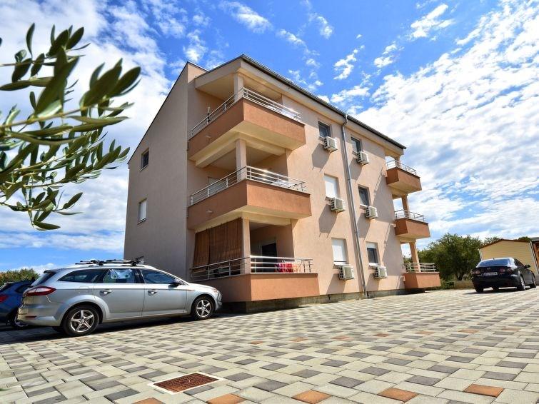Appartement pour 3 personnes à Sv. Filip i Jakov