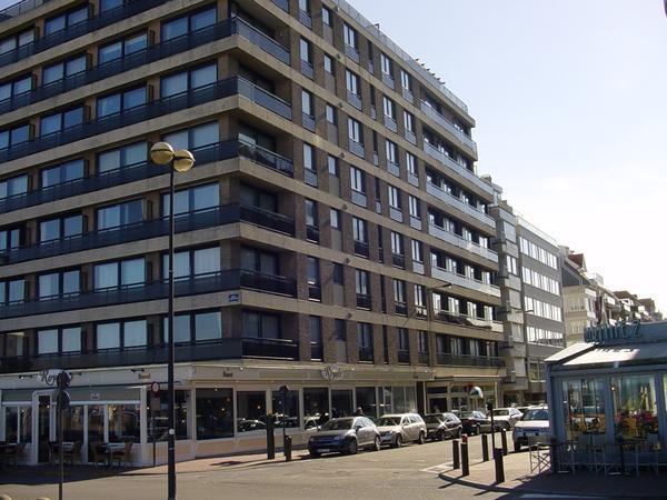 Knokke luxueux studio rénové, vue sur mer, free wifi