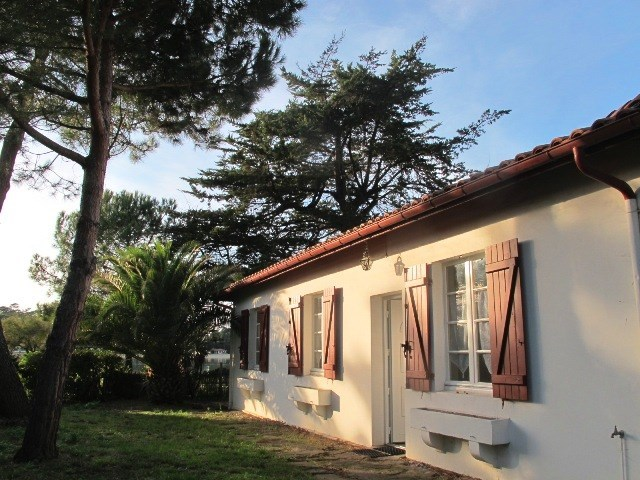 Hossegor - Single level house by the salt water lake, view of the lake. Approx. 1km from the town centre