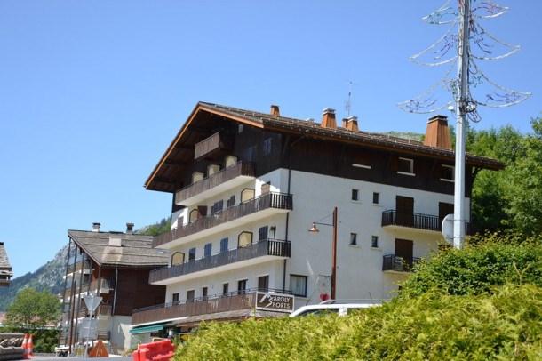 Appartement 9 personnes, au coeur du village, magnifique vue sur la station!