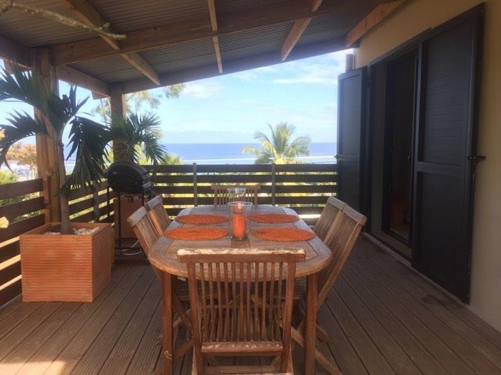 La terrasse - une vue panoramique sur le lagon