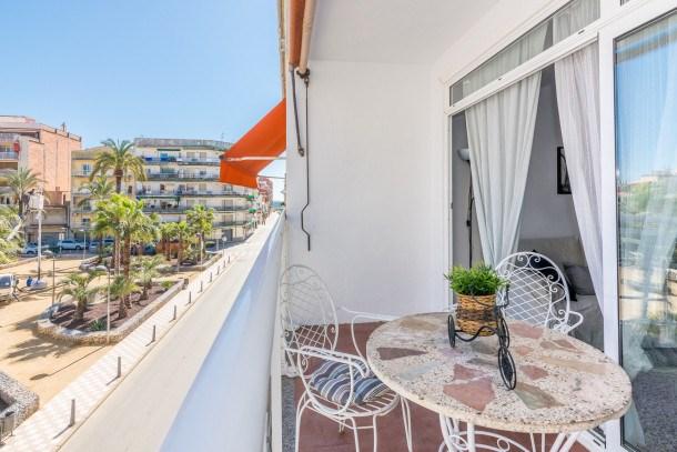 Location vacances Pineda de Mar -  Appartement - 6 personnes - Télévision - Photo N° 1