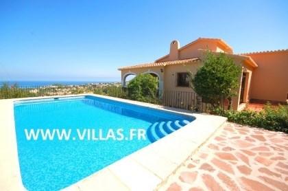 Villa AS Ange - Jolie villa entourée de végétation, située dans la ville de Denia, proche de la montagne du Montgo.