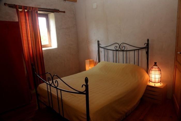 maison lempzours 24 dordogne 70m2 6 pers amivac. Black Bedroom Furniture Sets. Home Design Ideas