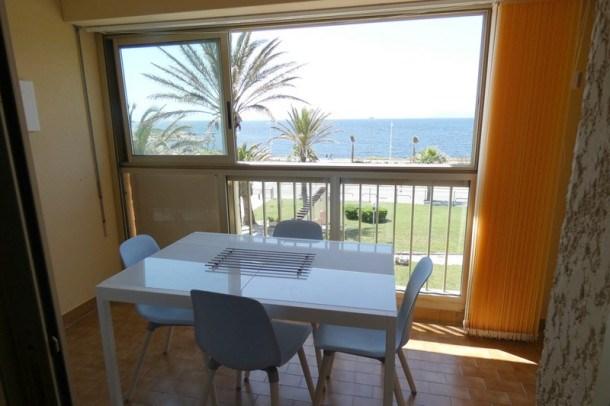 Agréable T2 belle vue mer avec piscine six fours les plages