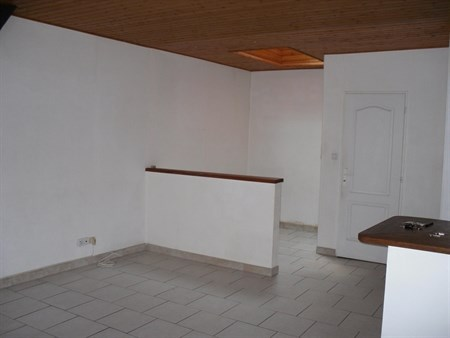 location studio angoul me 340 mois appartement f1 t1. Black Bedroom Furniture Sets. Home Design Ideas