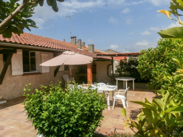 Location vacances Saint-Cyr-sur-Mer -  Maison - 6 personnes - Barbecue - Photo N° 1