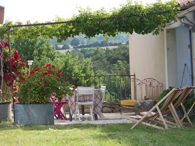 Location vacances Revest-du-Bion -  Gite - 4 personnes - Barbecue - Photo N° 1