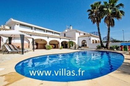 Villa de style rustique pour 8 à 10 personnes avec piscine privée située à Calpe.