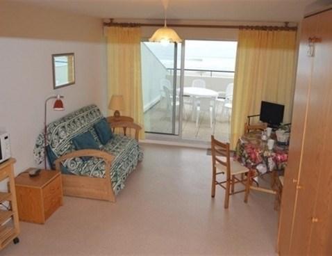 Location vacances Saint-Gilles-Croix-de-Vie -  Appartement - 4 personnes - Télévision - Photo N° 1