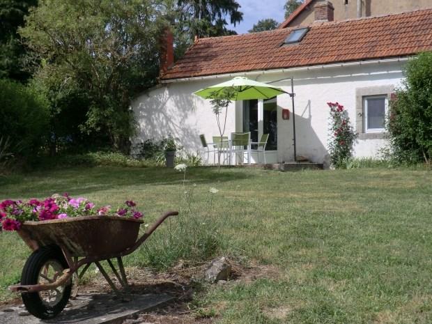 Location vacances Buxières-sous-Montaigut -  Gite - 4 personnes - Jardin - Photo N° 1