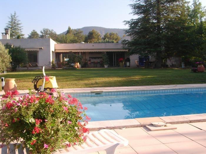 Villa pour 8 pers. avec piscine privée, Aiglun