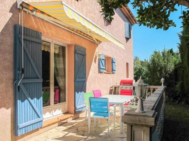 Location vacances Bagnols-en-Forêt -  Maison - 8 personnes - Barbecue - Photo N° 1