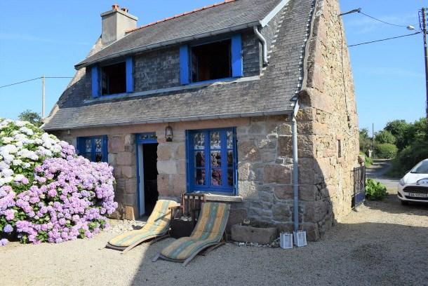 Maisonnette bretonne à 2km de la plage de Trestraou et du centre ville de Perros-Guirec