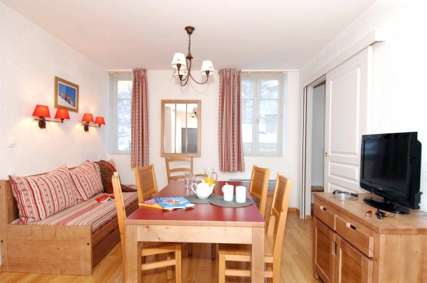 Location vacances Bagnères-de-Luchon -  Appartement - 6 personnes - Télévision - Photo N° 1
