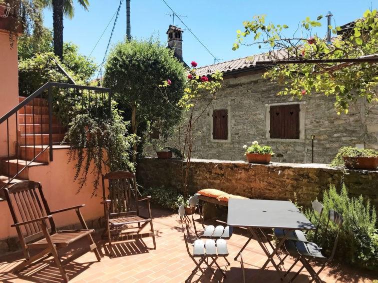 Studio pour 3 personnes à Arizzano