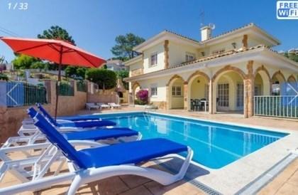 Villa CV Espe - Confortable villa pour 8 personnes située proche des commodités et diverses animations de Lloret de Mar.