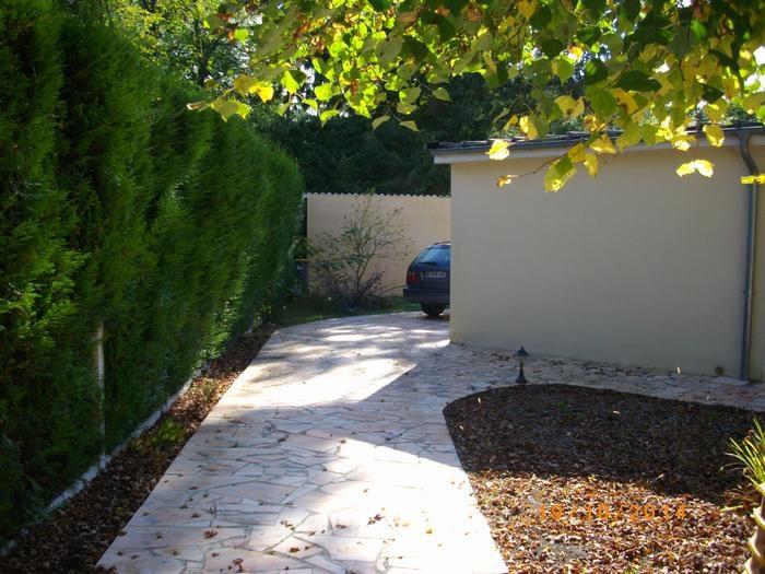 Location vacances Lamorlaye -  Appartement - 2 personnes - Jardin - Photo N° 1