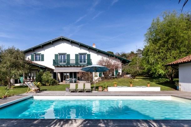 Belle maison basque avec piscine en plein centre d