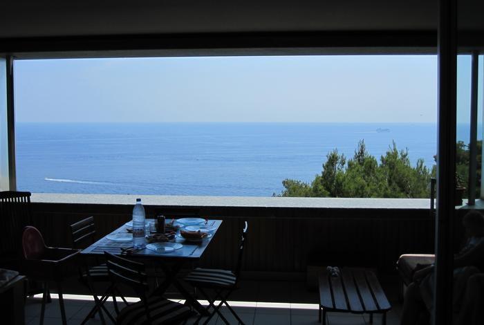 Terrace avec vue sur la mer