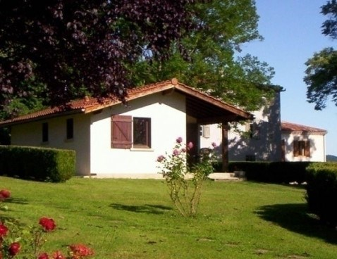 Location vacances Brassac -  Maison - 4 personnes - Barbecue - Photo N° 1