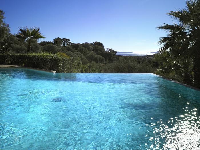 large infinite pool