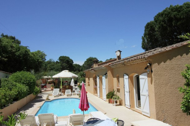 Location vacances Roquebrune-sur-Argens -  Maison - 8 personnes - Barbecue - Photo N° 1