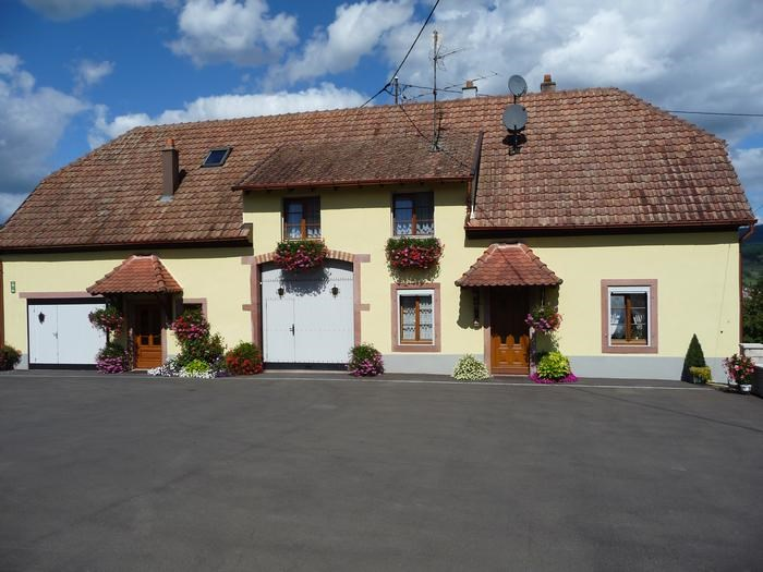 Holiday rentals Neuve-Église - House - 7 persons - BBQ - Photo N° 1