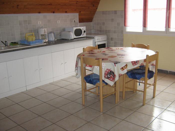 Location vacances Nébouzat -  Maison - 7 personnes - Barbecue - Photo N° 1