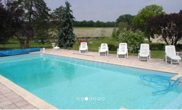piscine qui aura un grand abri télescopique