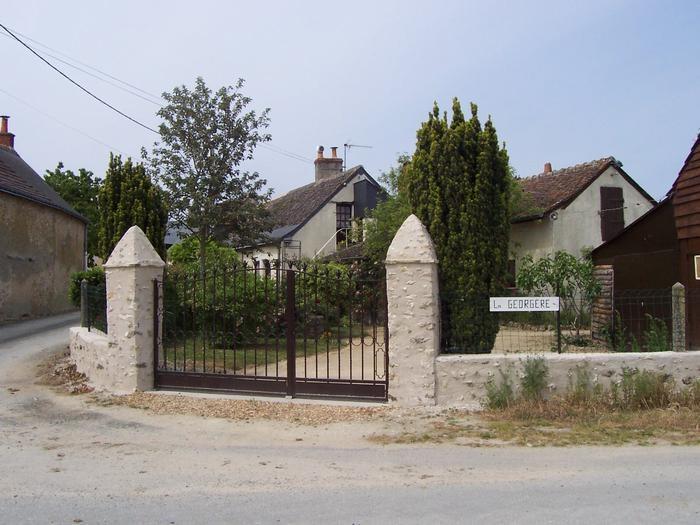 Detached House à HOMMES