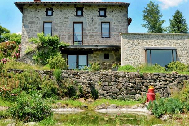 Maison auvergnate avec jacuzzi et sauna
