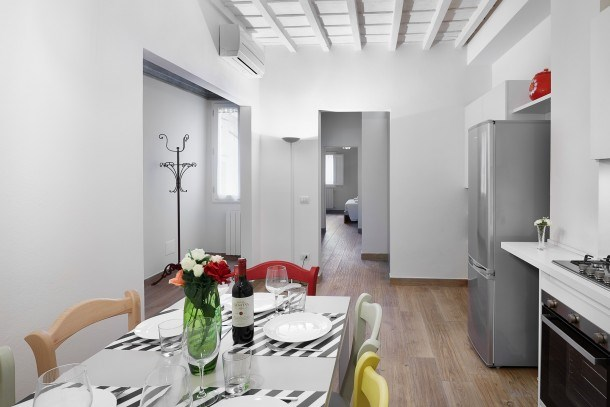 Valentina - Modern apartment, Santa Croce area, Florence
